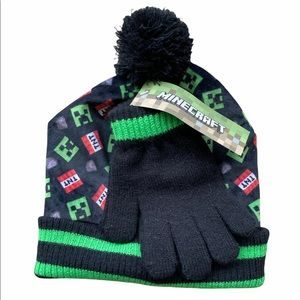 Minecraft Beanie Hat & Glove Set NWT One Size